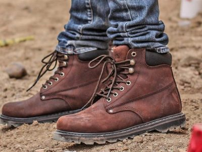 The Top 10 Work Boots for Plumbers 2020 0