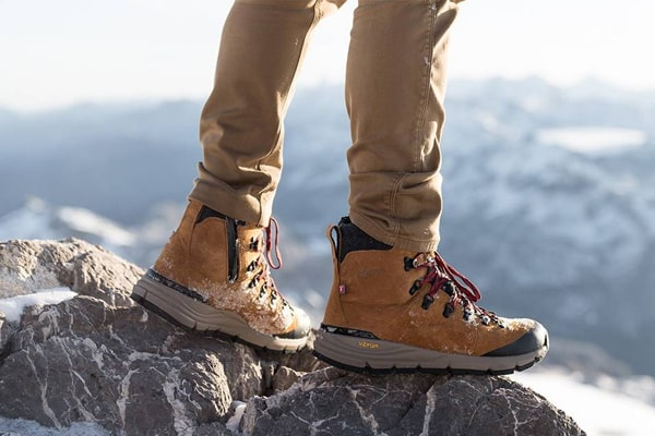 Some Types Of cheap Work Boots Under 100 Dollars You Can Choose