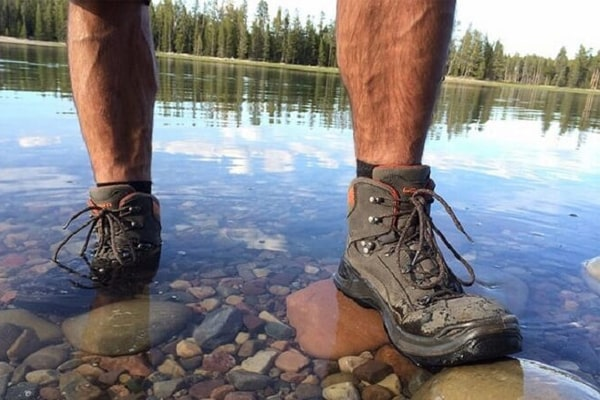 Top Rated 10 The Best Waterproof Work Boots Reviews for 2021