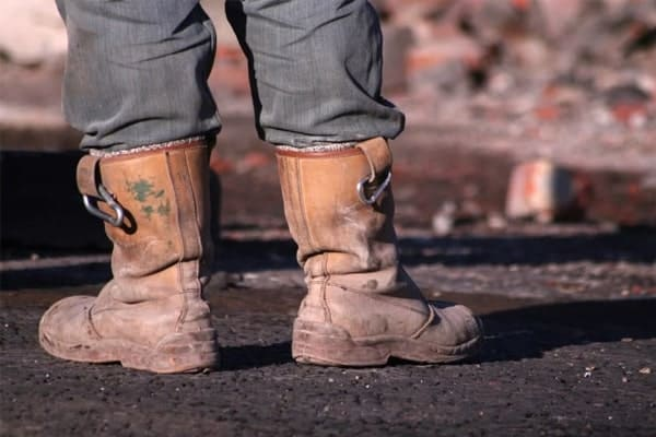 Factors to Consider when Buying best pull On Work Boots