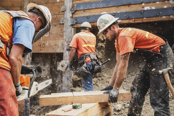 Must-Have Safety Features of The Best Carpenters Work Boots