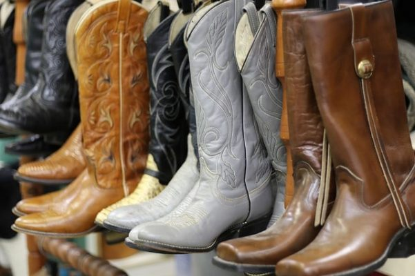 How to Break in Cowboy Boots? – Some Easy Ways 3