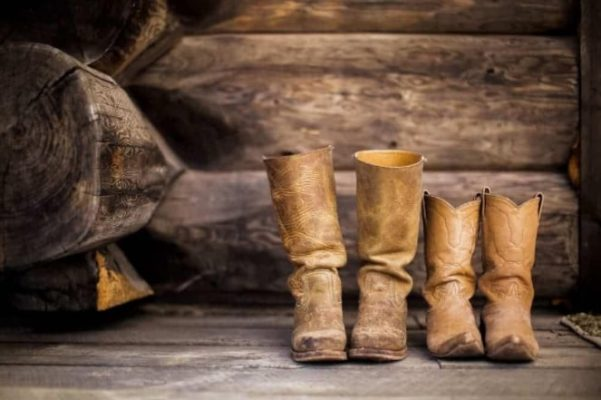 How to Make Cowboy Boots Fit Tighter? Try These Useful Tips! 9