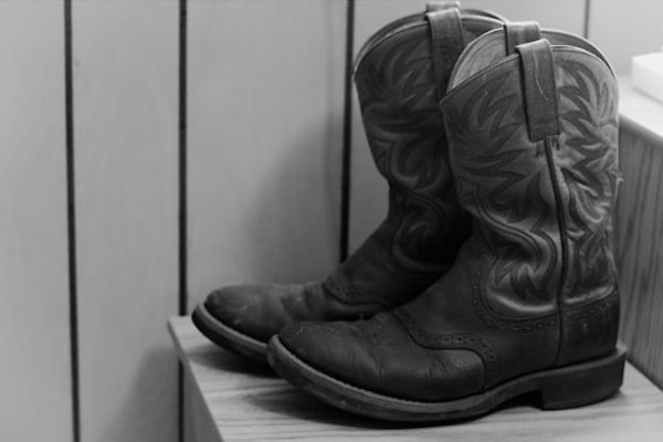 Justin boots vs Ariat boots: Which is better for you? 1
