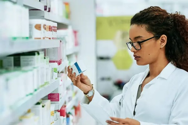 6 Important Things To Consider When Buying Work Shoes For Pharmacists